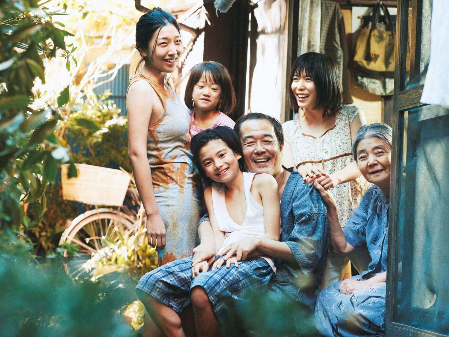 'Shoplifters' Review: A Beautiful and Unsentimental Family Portrait